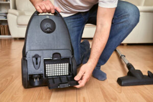 how to clean a vacuum cleaner filter